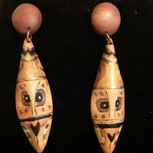 Unsigned Jewelry - Vintage hand-painted Light Weight Wood Earrings